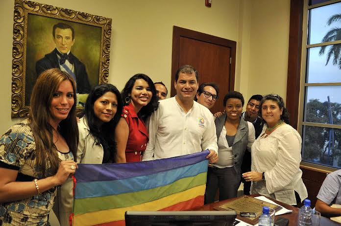 Reunión Histórica entre Representantes activistas LGBTI TILGB GLBTI Silueta X Diane Rodriguez Wilmer Brito Isaias Alvarez con el Presidente de Ecuador Rafael Correa Meeting Commitments President Correa and LGBTI