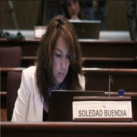 Asambleísta de AP apoya a grupo GLBTI en queja contra La Pareja Feliz y Vivos-Siluetax-DianeRodriguez