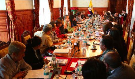 Colectivos LGBT se reúnen con el Presidente Rafael Correa en Ecuador 2015