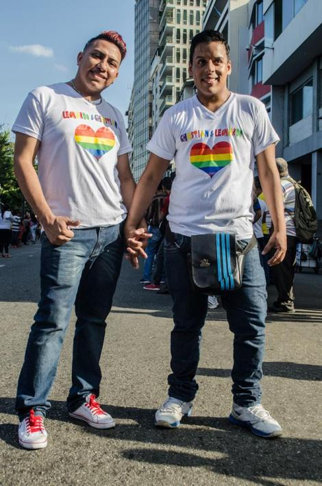 Orgullo LGBT Gay Ecuador Guayaquil 2015 - Asociación Silueta X (110)