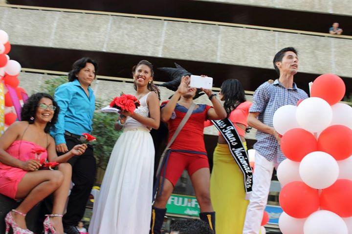 Orgullo LGBT Gay Ecuador Guayaquil 2015 - Asociación Silueta X (112)