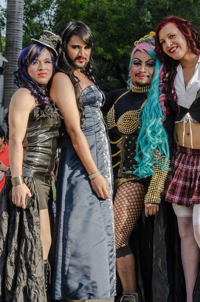 Orgullo LGBT Gay Ecuador Guayaquil 2015 - Asociación Silueta X (135)