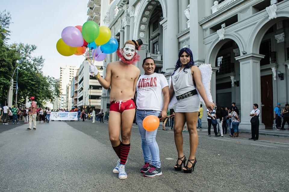 Orgullo LGBT Gay Ecuador Guayaquil 2015 - Asociación Silueta X (166)