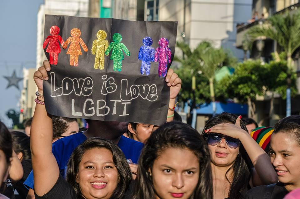 Orgullo LGBT Gay Ecuador Guayaquil 2015 - Asociación Silueta X (180)