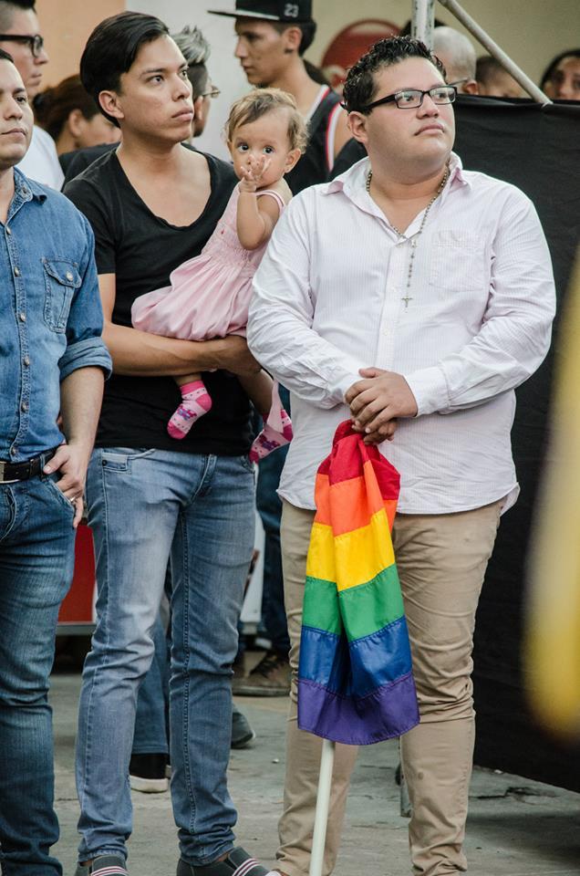 Orgullo LGBT Gay Ecuador Guayaquil 2015 - Asociación Silueta X (189)