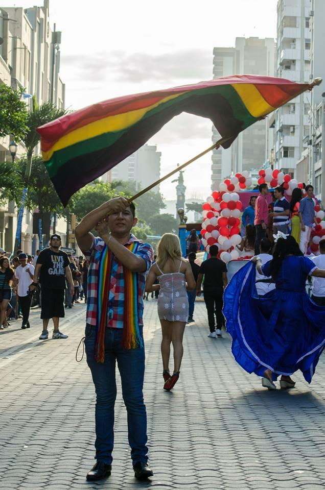 Orgullo LGBT Gay Ecuador Guayaquil 2015 - Asociación Silueta X (21)
