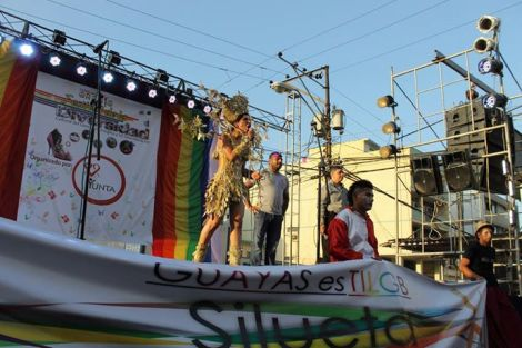 Orgullo LGBT Gay Ecuador Guayaquil 2015 - Asociación Silueta X (37)