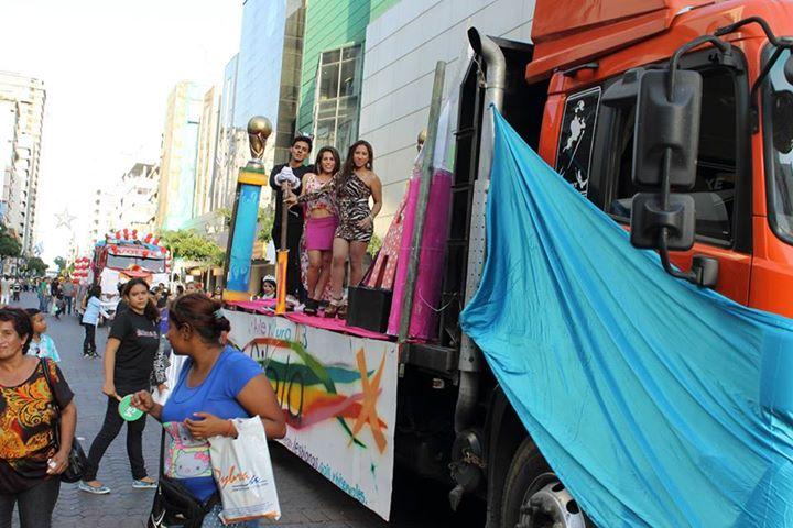 Orgullo LGBT Gay Ecuador Guayaquil 2015 - Asociación Silueta X (59)