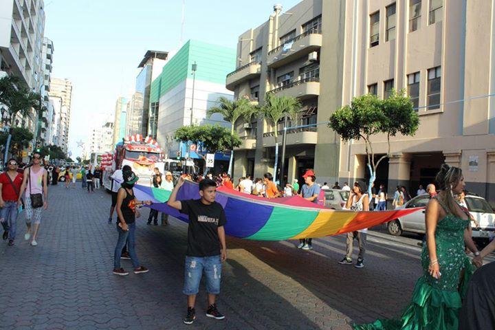 Orgullo LGBT Gay Ecuador Guayaquil 2015 - Asociación Silueta X (7)