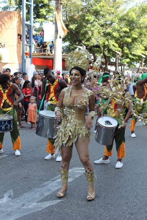 Orgullo LGBT Gay Ecuador Guayaquil 2015 - Asociación Silueta X con Diane Rodríguez DianeRodriguezz  (11)