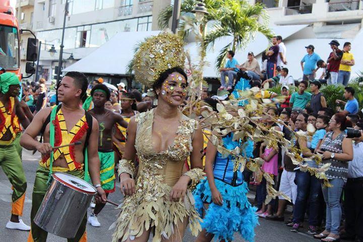 Orgullo LGBT Gay Ecuador Guayaquil 2015 - Asociación Silueta X con Diane Rodríguez DianeRodriguezz  (22)