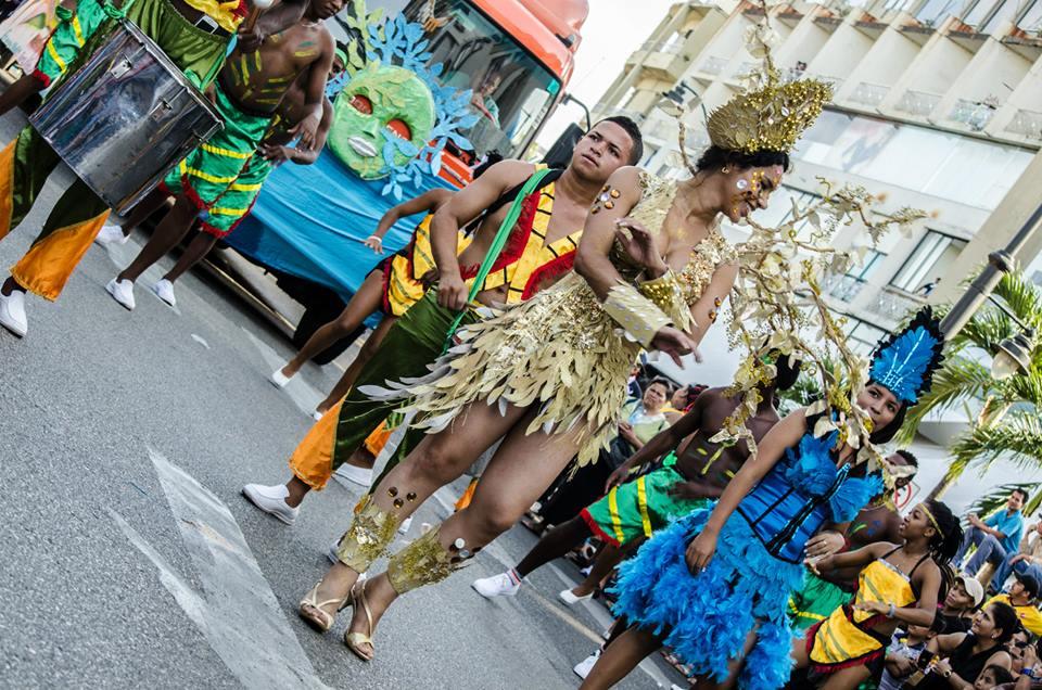 Orgullo LGBT Gay Ecuador Guayaquil 2015 - Asociación Silueta X con Diane Rodríguez DianeRodriguezz  (24)