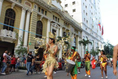 Orgullo LGBT Gay Ecuador Guayaquil 2015 - Asociación Silueta X con Diane Rodríguez DianeRodriguezz  (26)