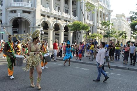 Orgullo LGBT Gay Ecuador Guayaquil 2015 - Asociación Silueta X con Diane Rodríguez DianeRodriguezz  (27)
