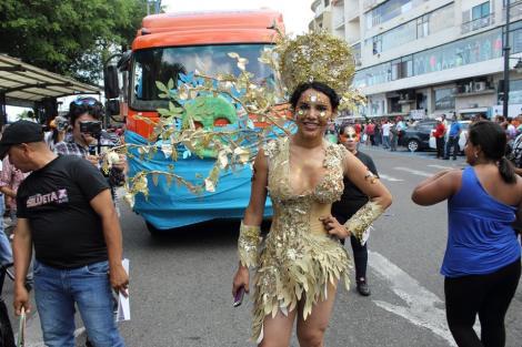 Orgullo LGBT Gay Ecuador Guayaquil 2015 - Asociación Silueta X con Diane Rodríguez DianeRodriguezz  (3)