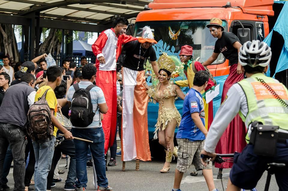 Orgullo LGBT Gay Ecuador Guayaquil 2015 - Asociación Silueta X con Diane Rodríguez DianeRodriguezz  (30)