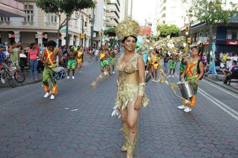 Orgullo LGBT Gay Ecuador Guayaquil 2015 - Asociación Silueta X con Diane Rodríguez DianeRodriguezz  (31)