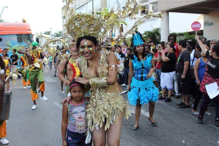 Orgullo LGBT Gay Ecuador Guayaquil 2015 - Asociación Silueta X con Diane Rodríguez DianeRodriguezz  (7)