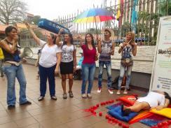 Planton en conmemoración 18 años despenalización de la homosexualidad en Ecuador - 25 de Noviembre 2015 - Silueta X (4)