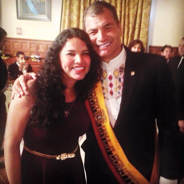 Diane Rodriguez representante federación LGBT y transexual junto a Econ. Rafael Correa en Almuerzo de Confraternidad
