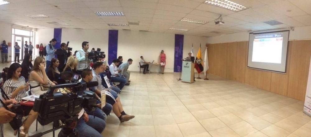 Transexuales logran la sustitución de sexo por genero en la cedula en Ecuador (6)