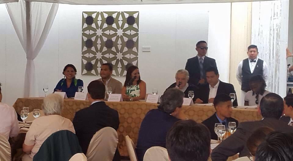 federacion-jovenes-lgbt-ecuador-en-almuerzo-con-jose-pepe-mujica-ex-presidente-de-uruguay-13