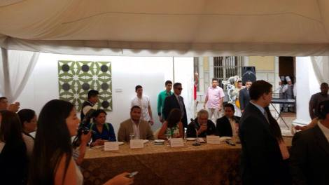 federacion-jovenes-lgbt-ecuador-en-almuerzo-con-jose-pepe-mujica-ex-presidente-de-uruguay-4