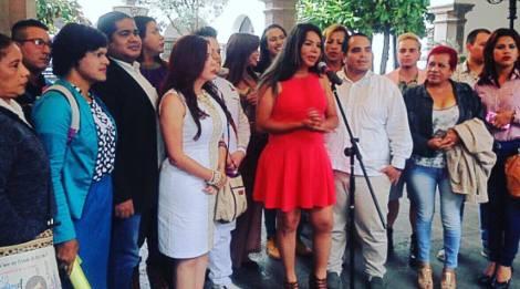 diane-rodriguez-de-la-federacion-ecuatoriana-de-organizaciones-lgbti-antes-de-la-reunion-con-rafael-correa-presidente-de-ecuador