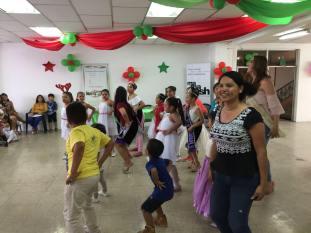 Agasajo Navideño a niños con enfermedades catastroficas y VIH - Asociación LGBT Silueta X - Ecuador (36)