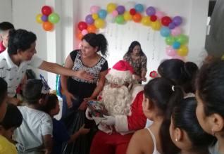 Agasajo Navideño a niños con enfermedades catastroficas y VIH - Asociación LGBT Silueta X - Ecuador (89)