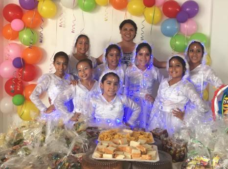 Agasajo Navideño a niños con enfermedades catastroficas y VIH con transexual diane rodriguez - Asociación LGBT Silueta X - Ecuador (8)