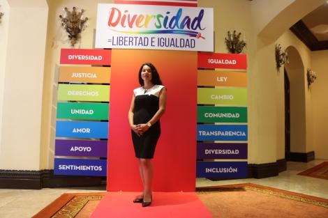 defensora de derechos humanos y activista transgenero diane rodriguez en el foro de diversidad en honduras lgbt (4)