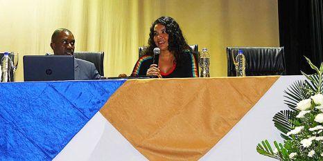 FORO - PANEL sobre Diversidad Sexual y Género - Universidad Politecnica Salesiana con Diane Rodriguez transgénero LGBT ecuador (3)