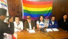 Iniciativa Zapatos diversos por asesinatos LGBT ecuador Asociación Silueta X Federación ecuatoriana - diane rodriguez (2)