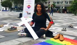 Iniciativa Zapatos diversos por asesinatos LGBT ecuador Asociación Silueta X Federación ecuatoriana Diane Rodriguez cruz muertos (2)