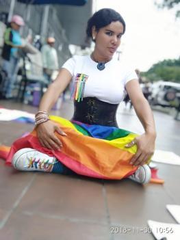 1 Activista trans Diane Marie Rodriguez Zambrano - Ecuador LGBT - transfeminista - Transgénero - MTF Protestando