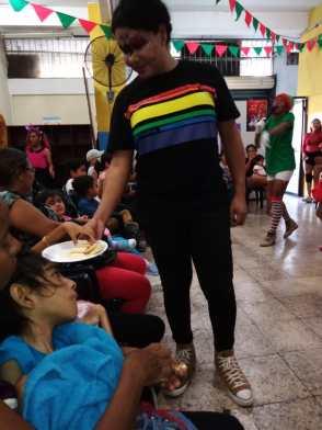 Agasajo de niños con VIH - SIlueta X - Cámara LGBT - Transmasculinos Ecuador 2019 -niños enfermeddes catastroficas - Diane Rdríguez (2)