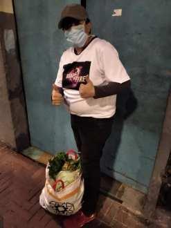 Donación de canastas y alimentos por parte de la Asociación Silueta X, centro Pisco Trans y La Camara LGBT de Comercio Ecuador - Covid19 - Apoyo Prefectura de Pichincha (10)