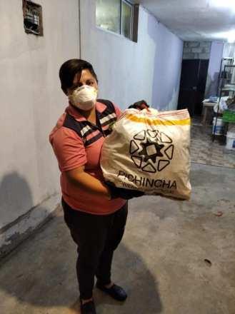 Donación de canastas y alimentos por parte de la Asociación Silueta X, centro Pisco Trans y La Camara LGBT de Comercio Ecuador - Covid19 - Apoyo Prefectura de Pichincha (18)